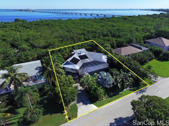 958 Sand Castle Rd, Sanibel, FL 33957