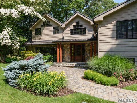 9 The Pines, Roslyn Estates, NY 11576