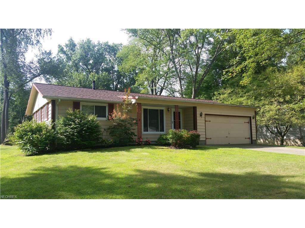 7846 Brookwood St NE, Warren, OH 44484