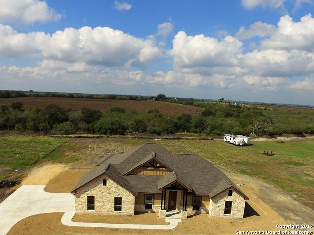 210 Siena Woods, Marion, TX 78124