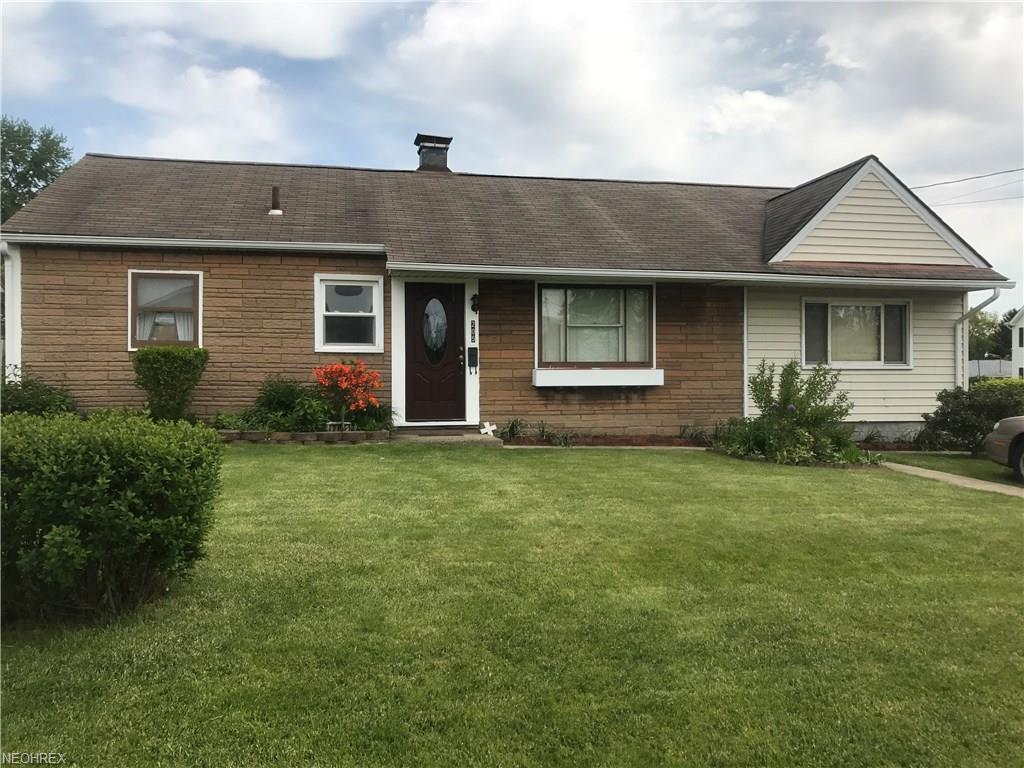 205 Hazel St, Niles, OH 44446