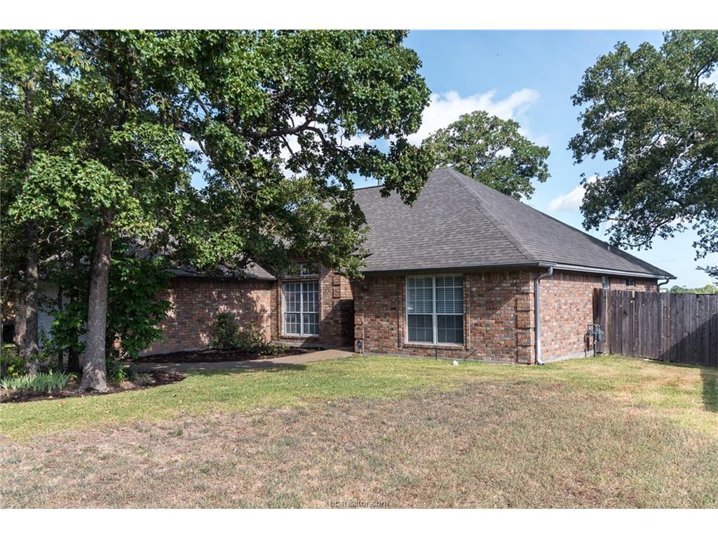 709 Summerglen Drive, College Station, TX 77840