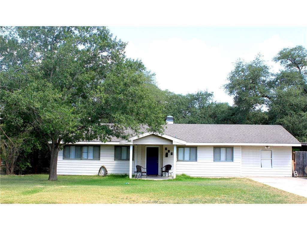 524 Helena Street, Bryan, TX 77801