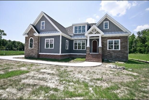 103 Osborn LN, Seaford, VA 23696