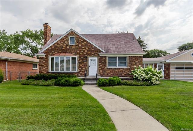 7436 ROBINDALE Avenue, Dearborn Heights, MI 48127