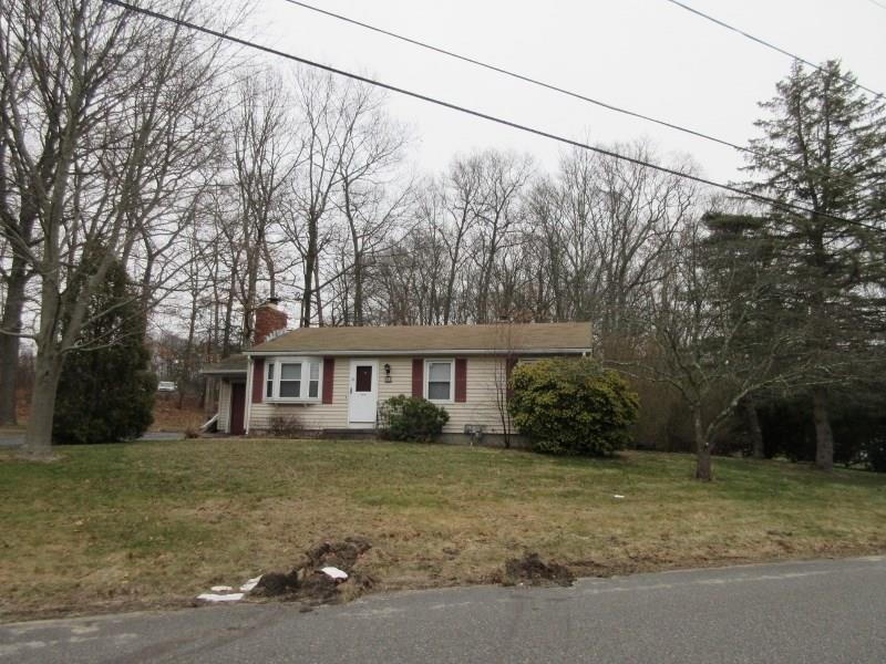 41 Crestwood CT, Cumberland, RI 02864