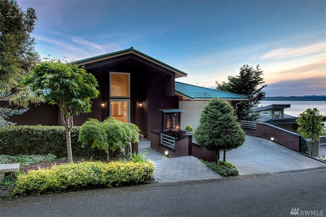 12073 30th Ave SW, Burien, WA 98146