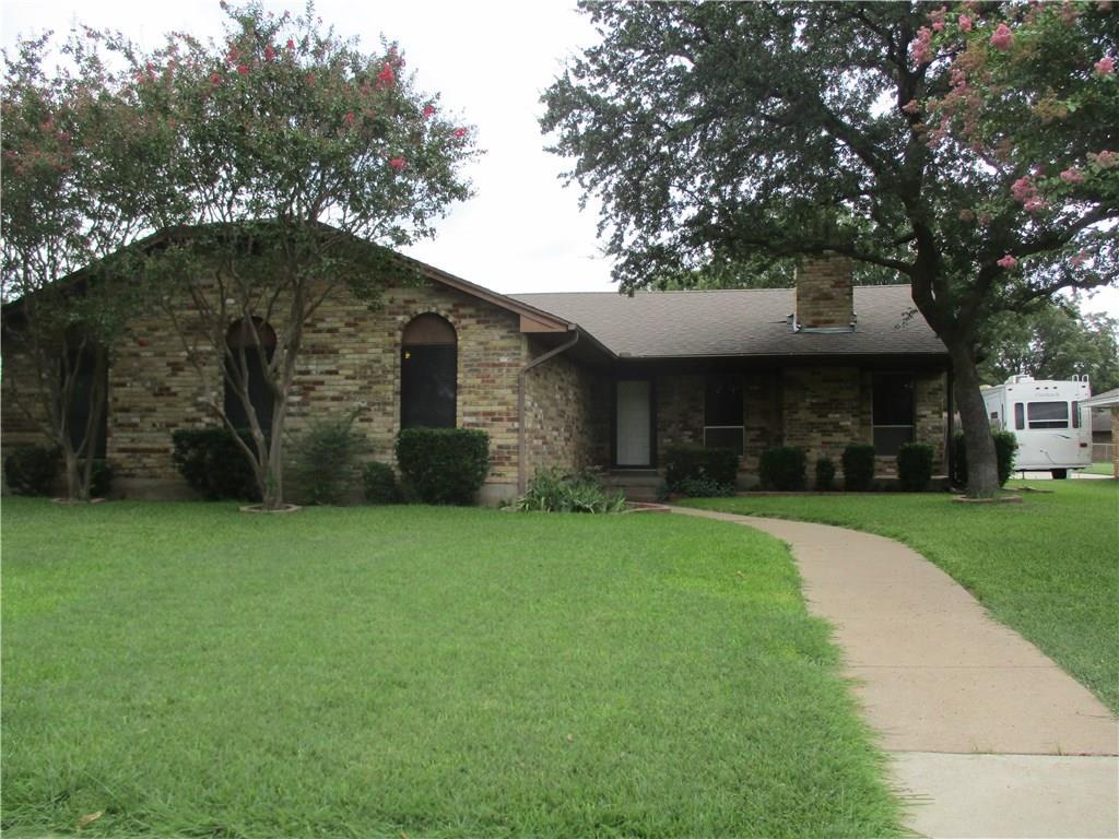 2101 Wellington Drive, Grand Prairie, TX 75051
