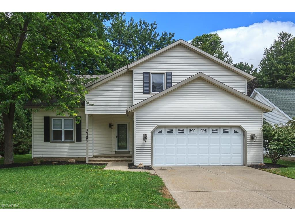39295 King Edward Ct, Willoughby, OH 44094