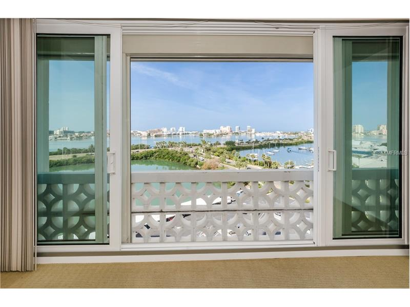 31 ISLAND WAY 903, CLEARWATER BEACH, FL 33767