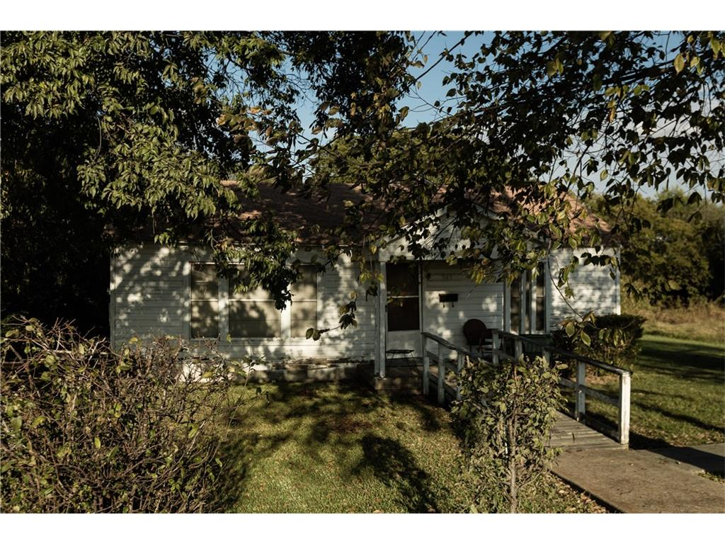 943 S 2nd Avenue, Mansfield, TX 76063