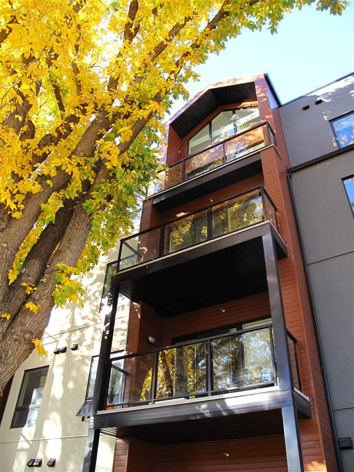 10006 83 Avenue NW 209, Edmonton, AB T6E 2C2