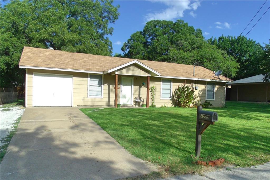 1009 N Rusk Street, Weatherford, TX 76086