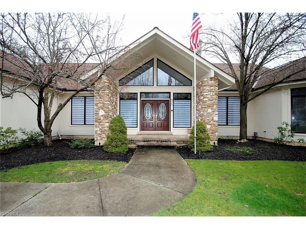 835 Hardwood Ct, Gates Mills, OH 44040