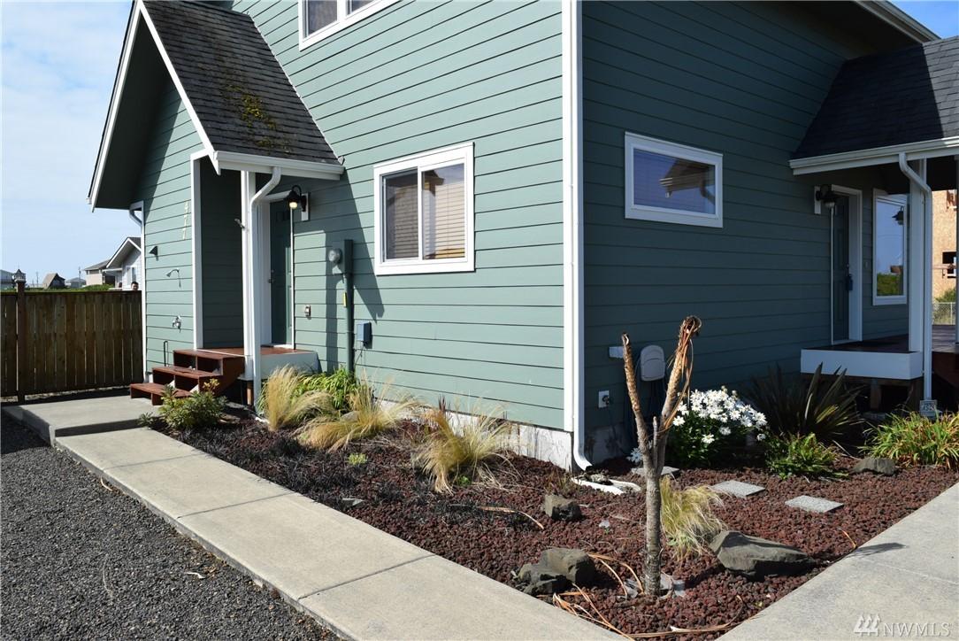 477 Broadmoor St, Ocean Shores, WA 98569
