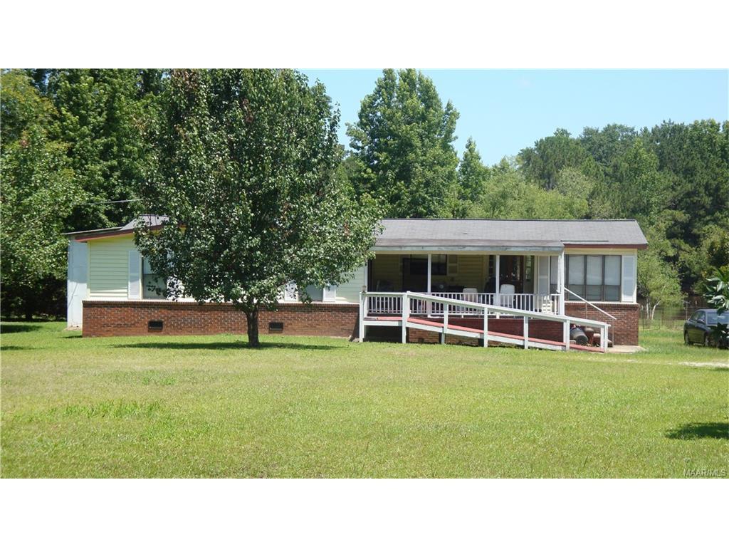 852 County Road 410 ., Clanton, AL 35045