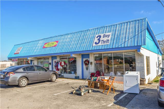 1041 SOUTH WATER AVE., Gallatin, TN 37066