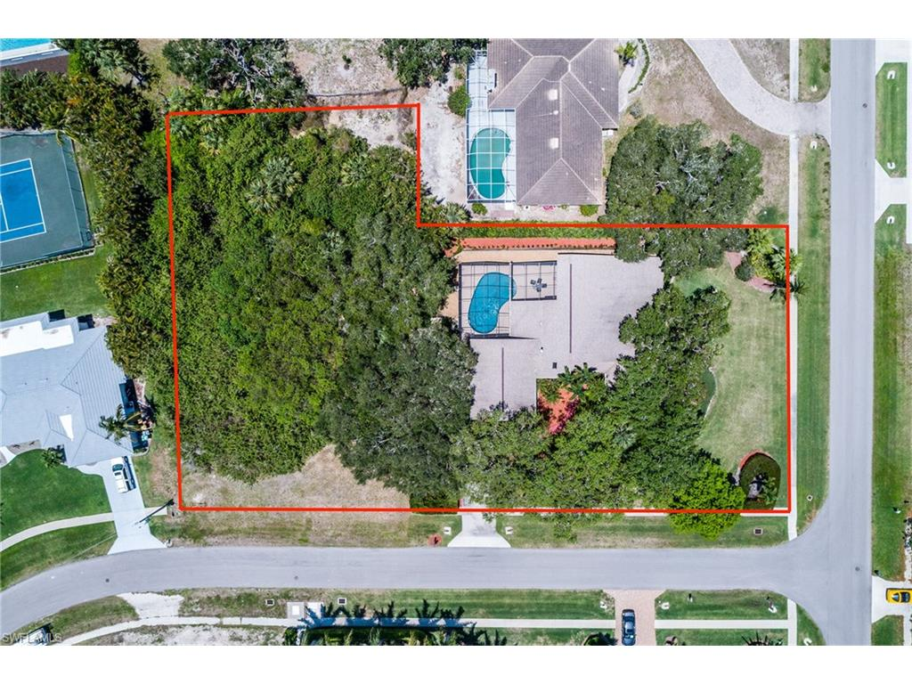 902 Inlet DR, MARCO ISLAND, FL 34145