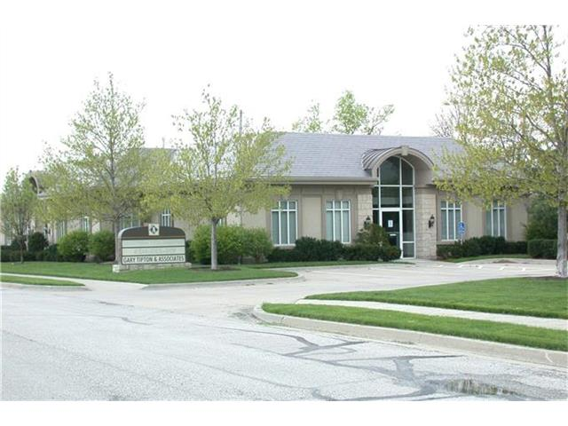 1201 NW North Ridge Drive, Blue Springs, MO 64015
