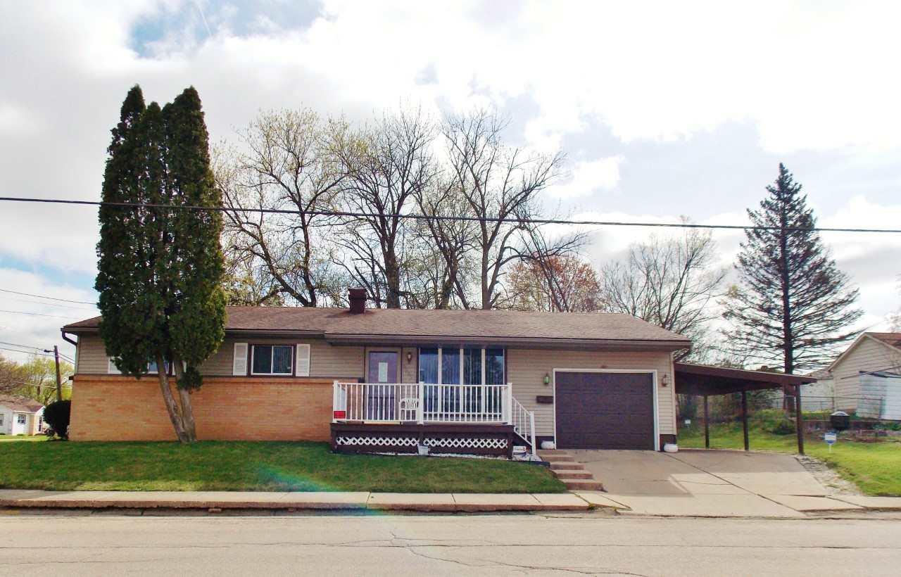 1305 S Prairie Avenue, FREEPORT, IL 61032