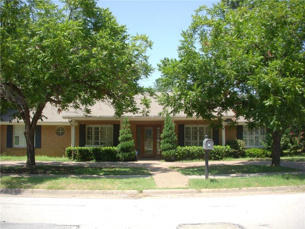 1701 Park Hill Drive, Arlington, TX 76012