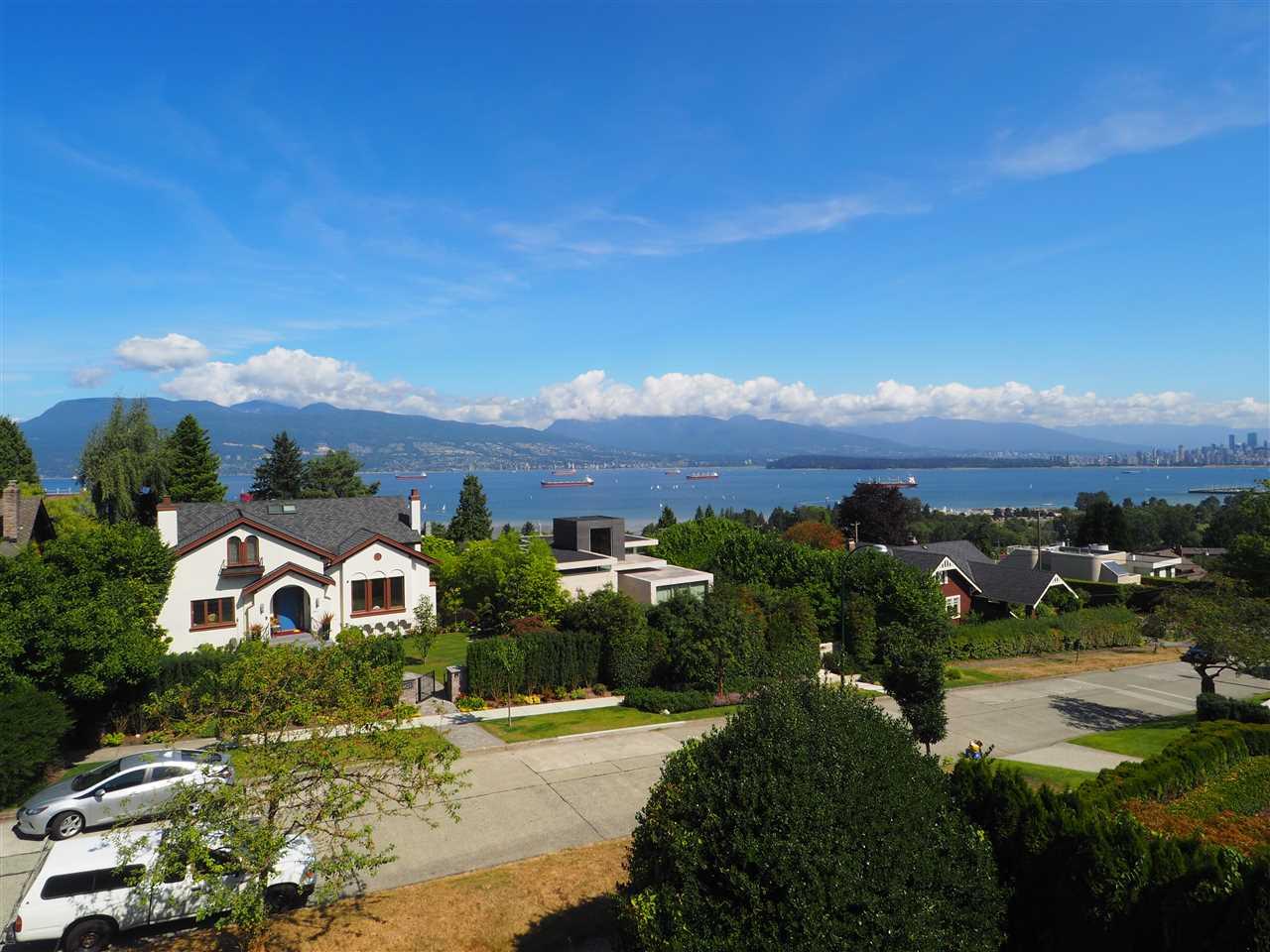 4636 W 3RD AVENUE, Vancouver, BC V6R 1N4