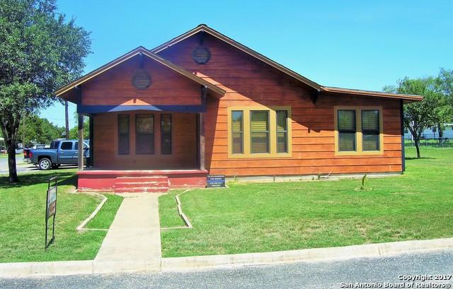 201 BRINKOETER ST, Poth, TX 78147