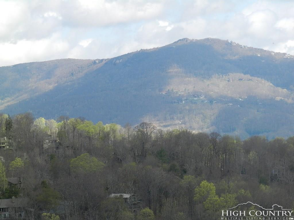 538 Shelter Rock Circle D-18, Sugar Mountain, NC 28604