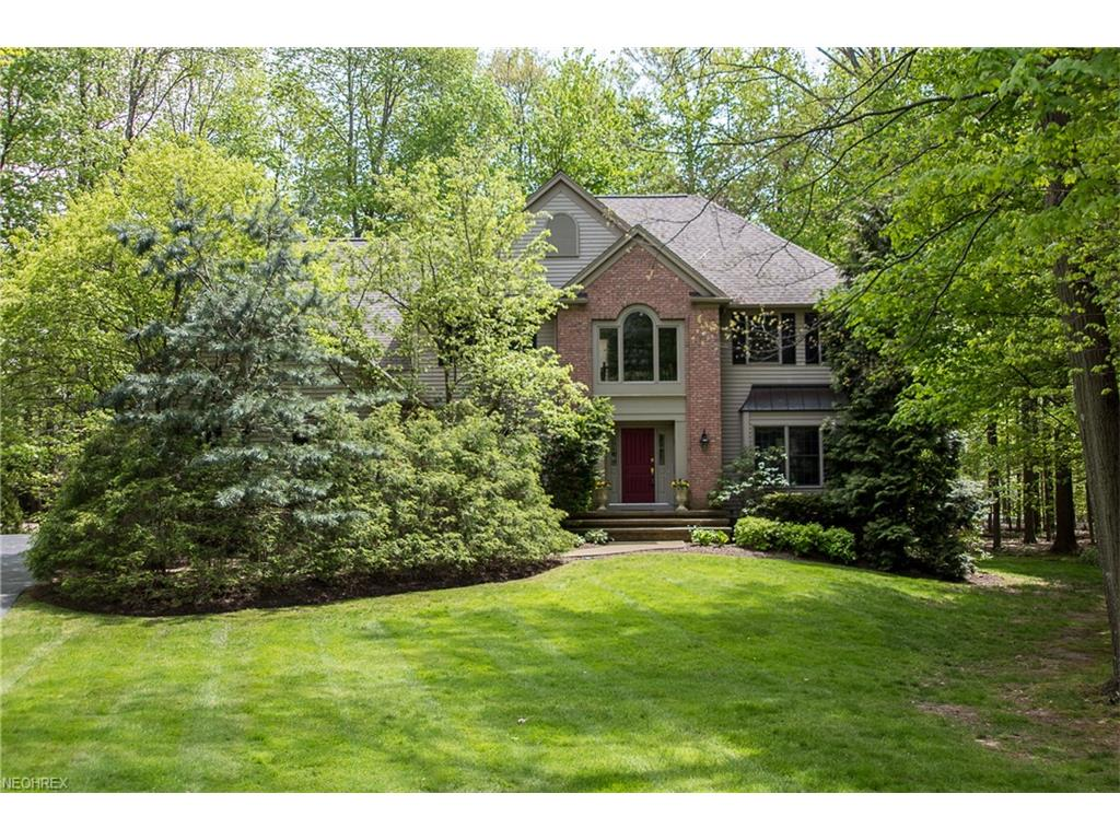 17341 Old Tannery Trl, Chagrin Falls, OH 44023