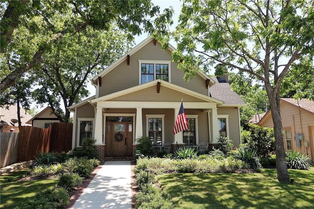 622 Estill Street, Grapevine, TX 76051