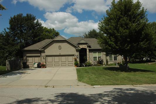 12204 W 55th Terrace, Shawnee, KS 66216