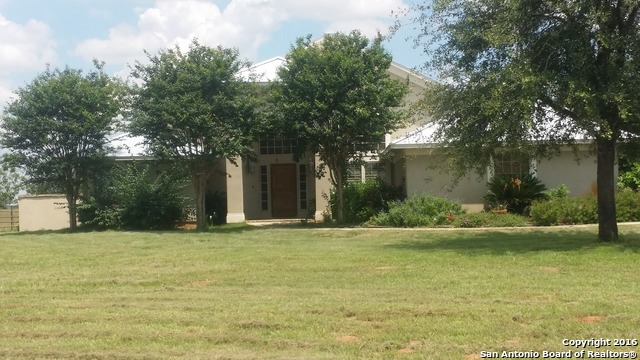 2813 COUNTY ROAD 421, Stockdale, TX 78160