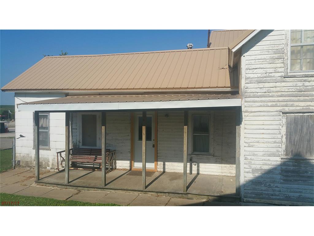105 Oak Street, Garrison, IA 52229