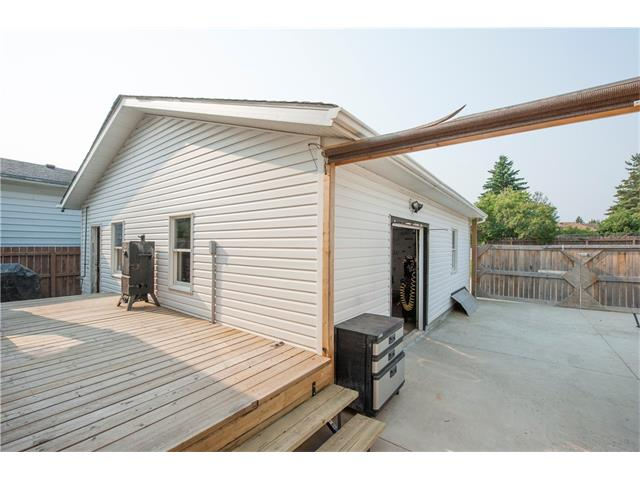 496 Queen Charlotte Road SE, Calgary, AB T2J 4H7