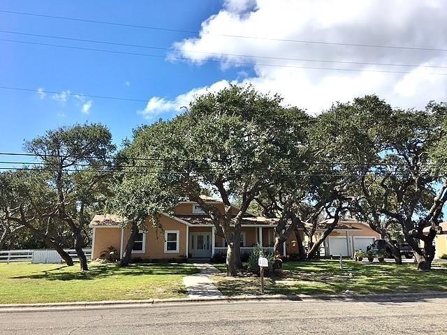 459 W Johnson Ave, Aransas Pass, TX 78336