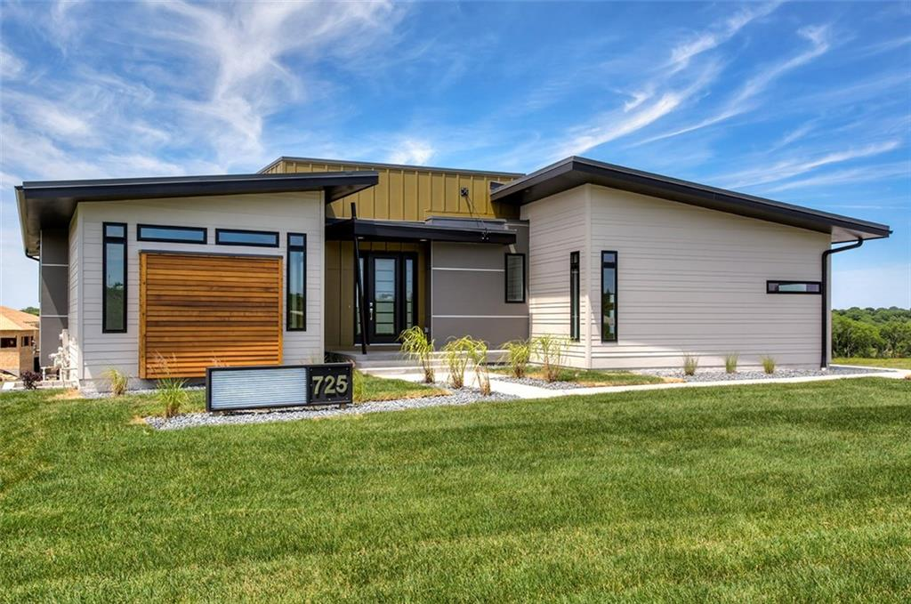 725 Indian Ridge Drive, Waukee, IA 50263