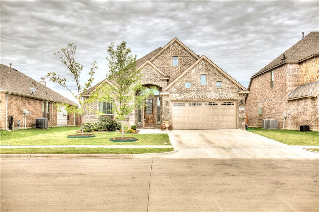 916 Gray Wash Drive, Saginaw, TX 76179