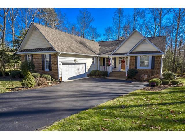 806 Middle Gate, Irvington, VA 22480