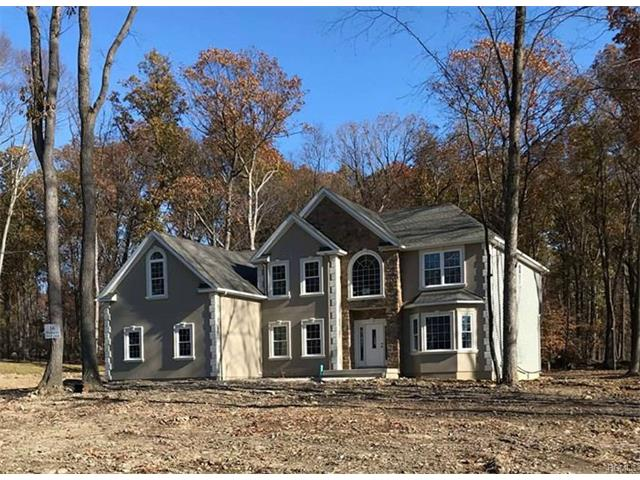 16 Winding Lane, Central Valley, NY 10917