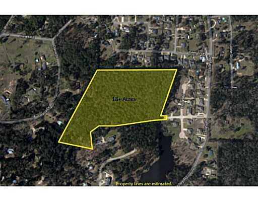Large estate land sitting in the middle of Pineville, this is a rare find. Could be 1, 2, 3 or more estate homes or devleoped into a subdivision with 30 - 40 lots. Access is through Nicole's Place Subdivision