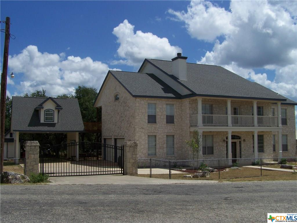 359 Friendlywood Drive, Canyon Lake, TX 78133