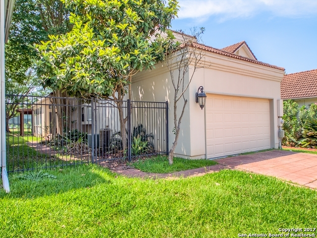 29439 Summit Ridge Dr, Fair Oaks Ranch, TX 78015