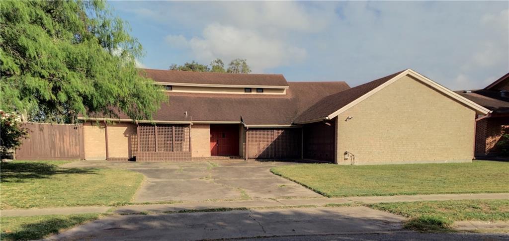 1129 Clarion Dr, Corpus Christi, TX 78412