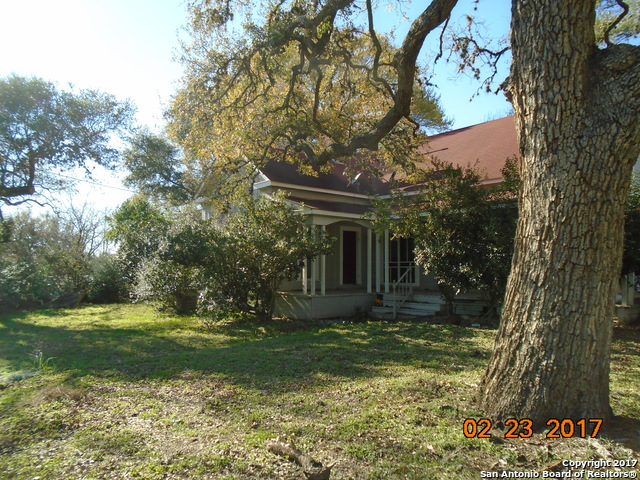 1207 St. Marys St., Stockdale, TX 78160