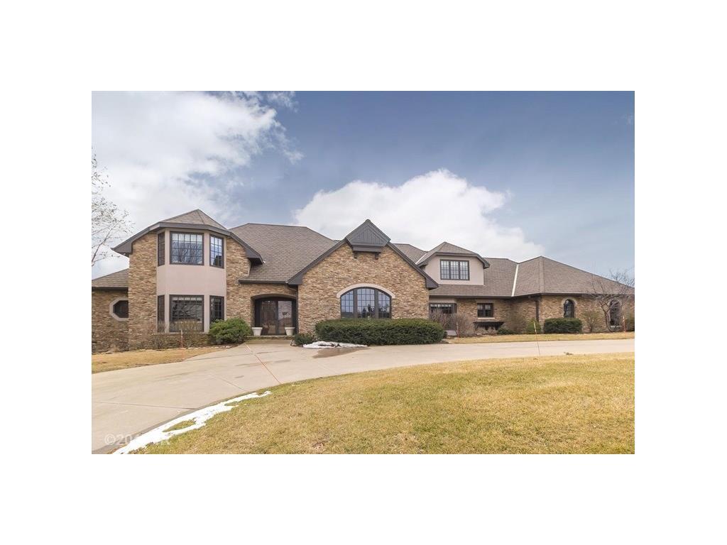 1001 Burr Oaks Drive, West Des Moines, IA 50266