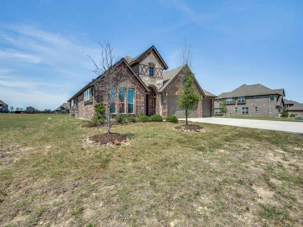 220 Meadow View Drive, McKinney, TX 75071