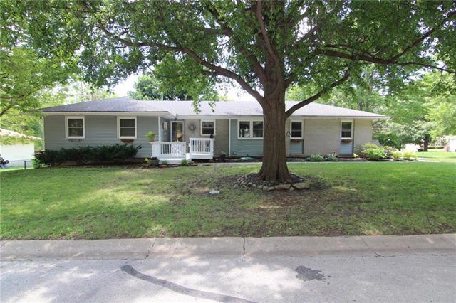 5242 Lucille Lane, Shawnee, KS 66203
