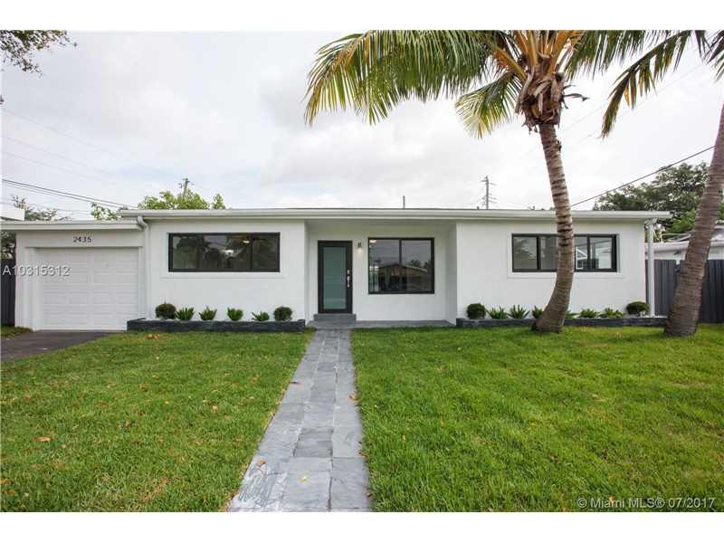 2435 NE 214th St, Miami, FL 33180