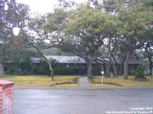 217 Prinz Dr, Castle Hills, TX 78213