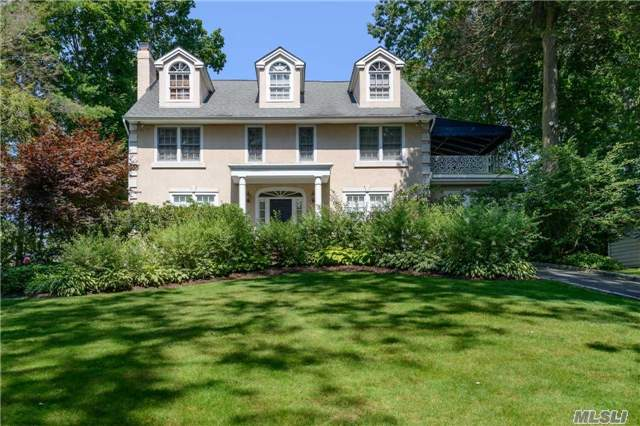 52 The Intervale, Roslyn Estates, NY 11576